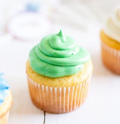 Easy Homemade Vanilla Cupcake Recipe