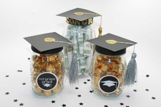 Graduation Mason Jar Gifts by Online Labels | 19 Graduation Party Favor Ideas