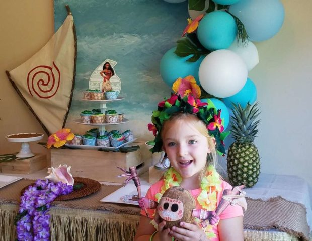 Tropical Moana Party by Catch My Party | The best Moana birthday party ideas.