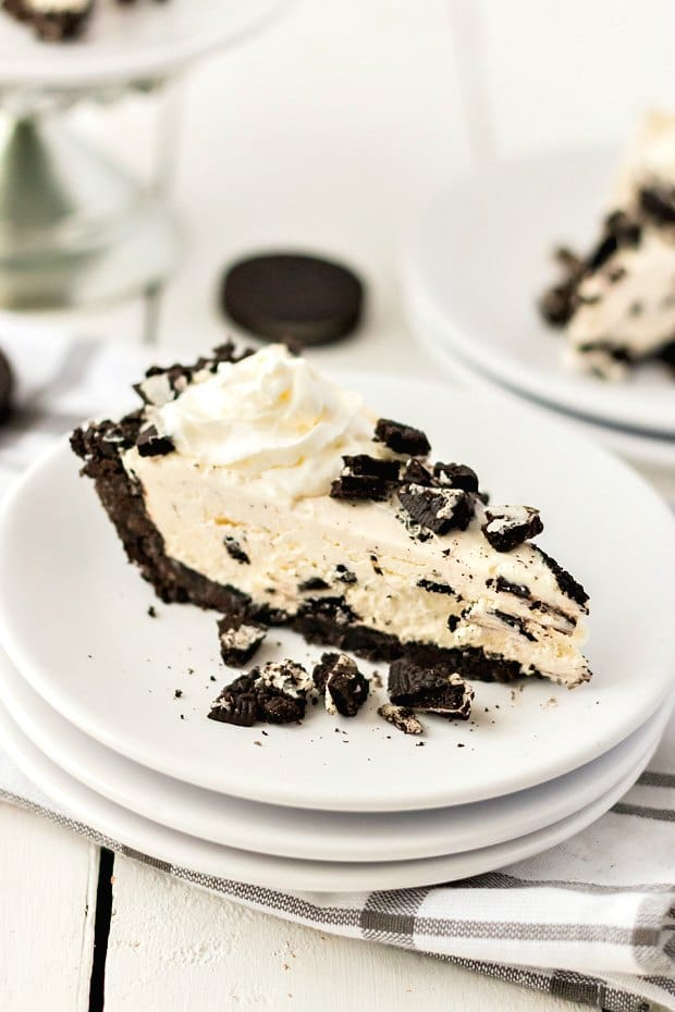 slice of oreo pie