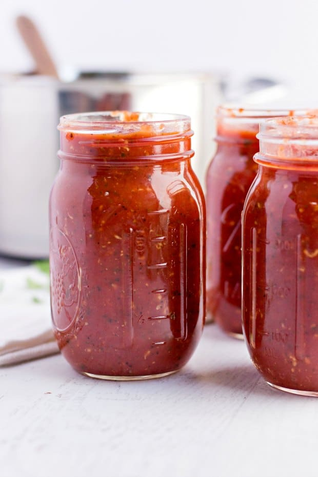 jars of homemade pasta sauce