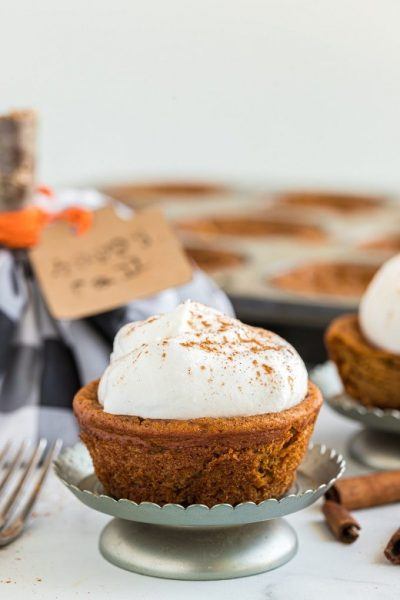 Pumpkin Pie Cupcakes Recipe Featured