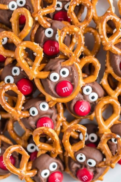 Easy Cute Reindeer Pretzels for Christmas