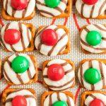 Christmas Pretzel Hugs Recipe