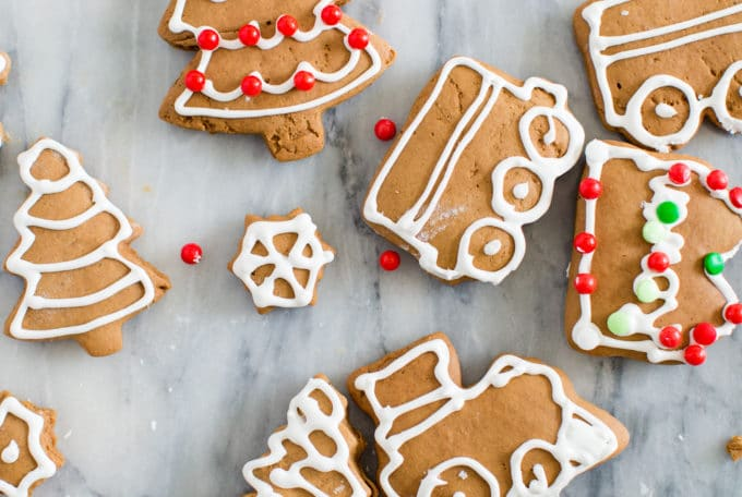 Easy Homemade Gingerbread Cookies Featured