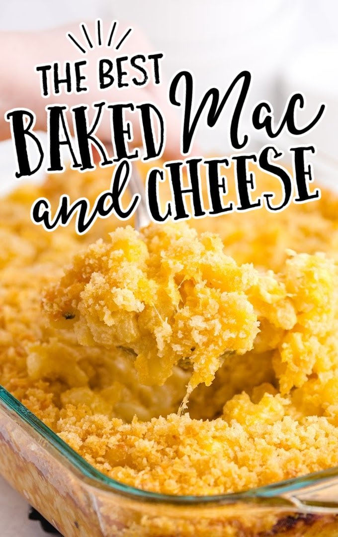 close up shot of baked mac and cheese