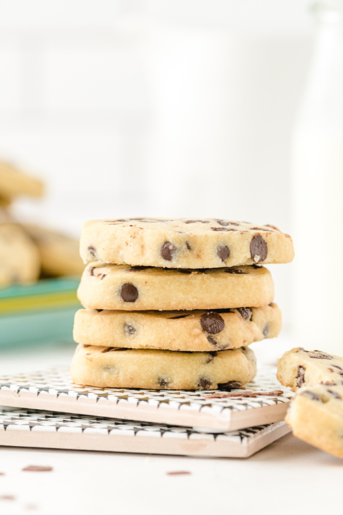 close up shot of chocolate chip shortbread cookies