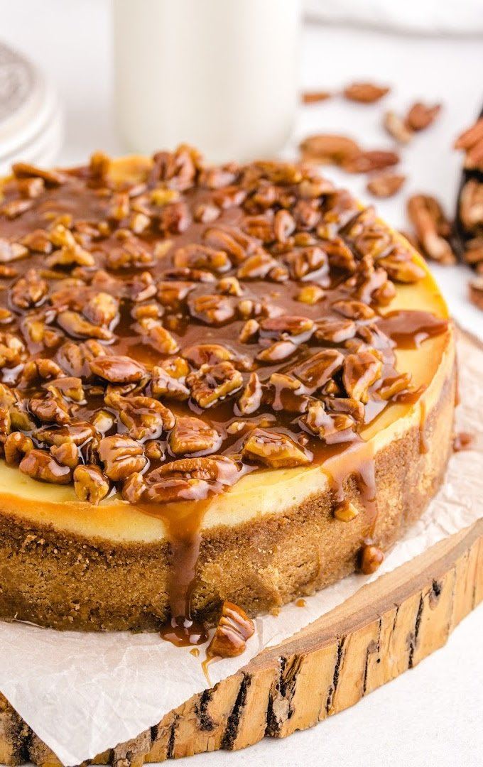 close up shot of pecan pie cheesecake